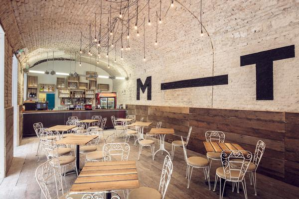Đèn dây trang trí cho nhà hàng, quán cafe