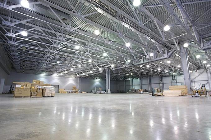 Đèn LED 100W được lựa chọn trong thiết kế chiếu sáng nhà xưởng