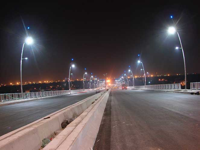Đèn pha led cao áp dùng cho chiếu sáng công cộng